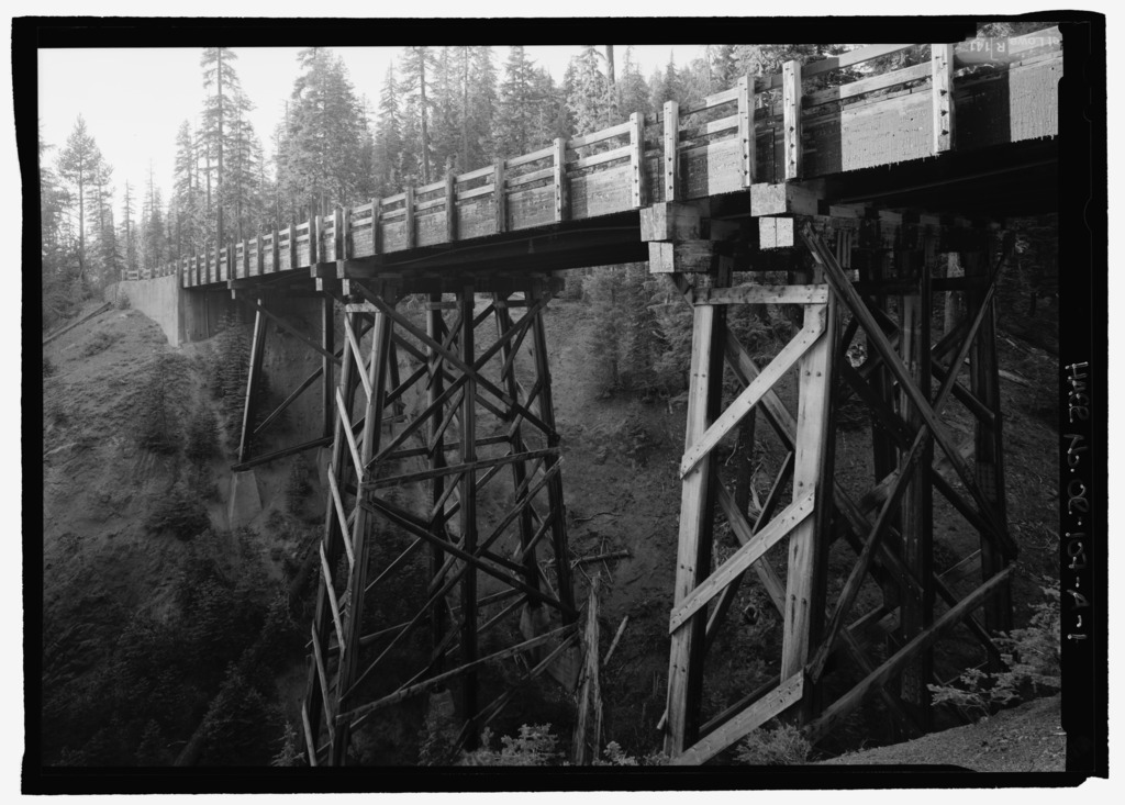 Goodbye Creek Bridge. View W. - Crater Lake National Park Roads, Goodbye Creek Bridge, Spanning Goodbye Creek at Munson Valley Road, Klamath Falls, Klamath County, OR  https://commons.wikimedia.org/wiki/File:Goodbye_Creek_Bridge._View_W._-_Crater_Lake_National_Park_Roads,_Goodbye_Creek_Bridge,_Spanning_Goodbye_Creek_at_Munson_Valley_Road,_Klamath_Falls,_Klamath_County,_OR_HAER_OR-107-A-1.tif
